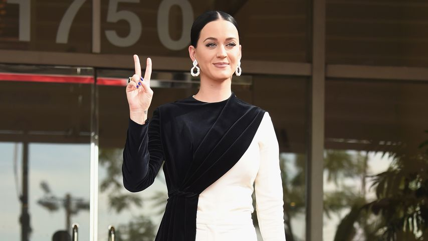 Verwirrung im Cruella-Look: Katy Perry in Kleid oder Hose?