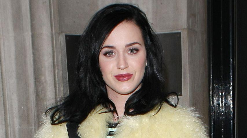 Katy Perry heizt Winter im sommergelben Fell ein