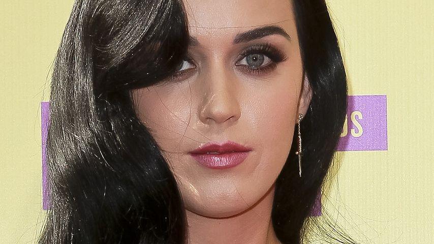Crazy! Katy Perry hat Haare von Kolleginnen dabei