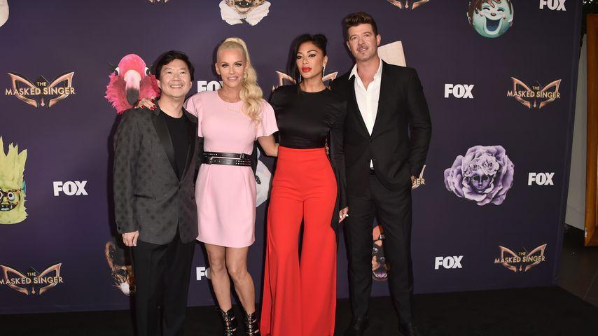 """Ken Jeong, Jenny McCarthy, Nicole Scherzinger und Robin Thicke bei der """"The Masked Singer""""-Premiere"""