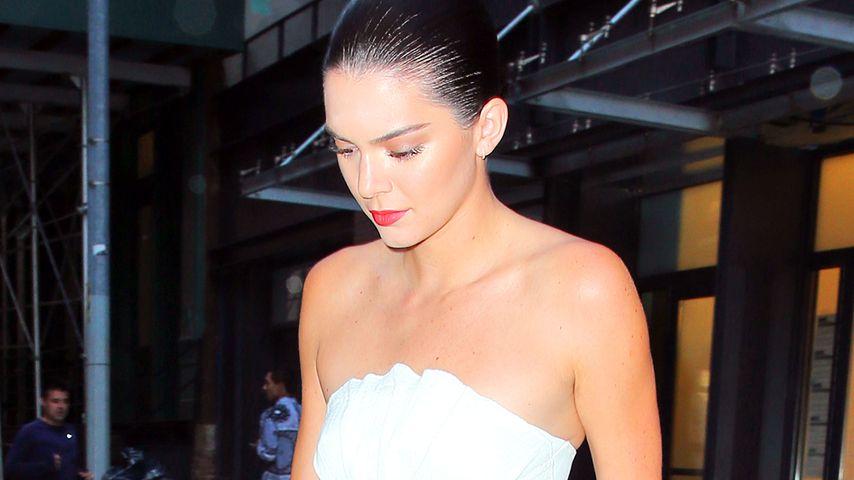 Kendall Jenner in einem Look von Designer Zac Posen