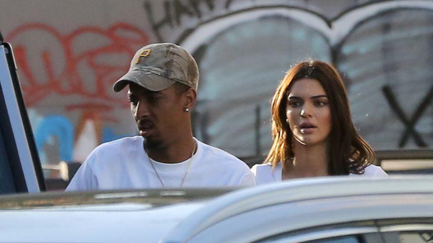 Heißes Lunch-Date: Kendall Jenner geht lieber oben ohne!