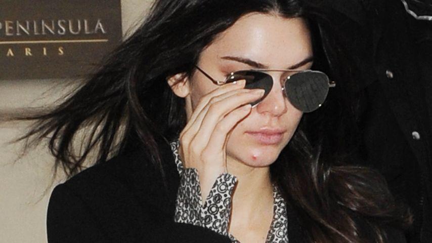 Dicker Eiterpickel am Kinn! Kendall Jenner herrlich normal