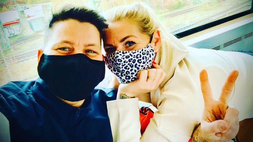 Kristen Ott y su esposa Carolina Coben en noviembre de 2020