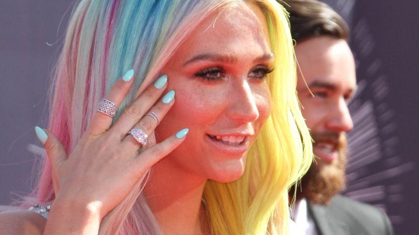 Kesha treibt's bunt: Regenbogenhaare bei den VMAs