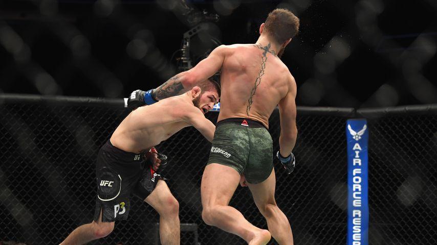 Khabib Nurmagomedov und Conor McGregor während ihres Titel-Kampfes