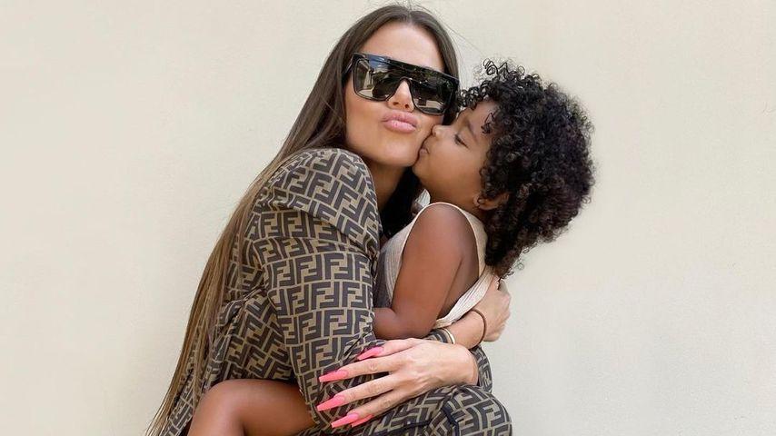 Khloé Kardashian und Tochter True im Juni 2021