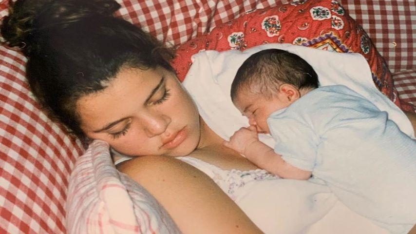 Khloe Kardashian und Kylie Jenner im Jahr 1997