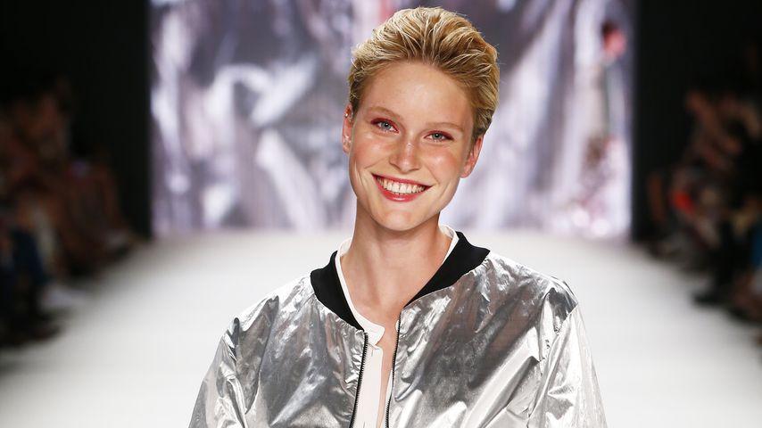 Kim Hnizdo bei der Mercedes-Benz Fashion Week in Berlin 2016