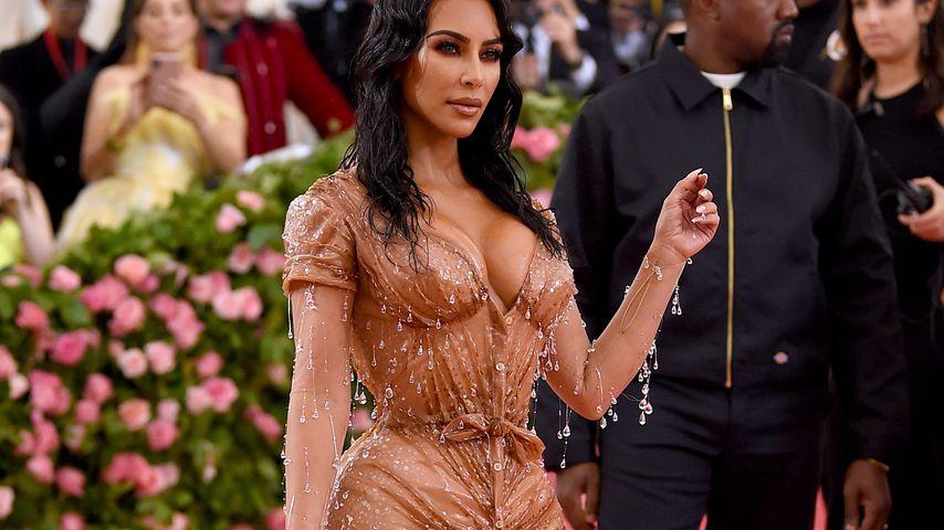 Kerben im Rücken: So schmerzte Kim Kardashians Gala-Korsett!
