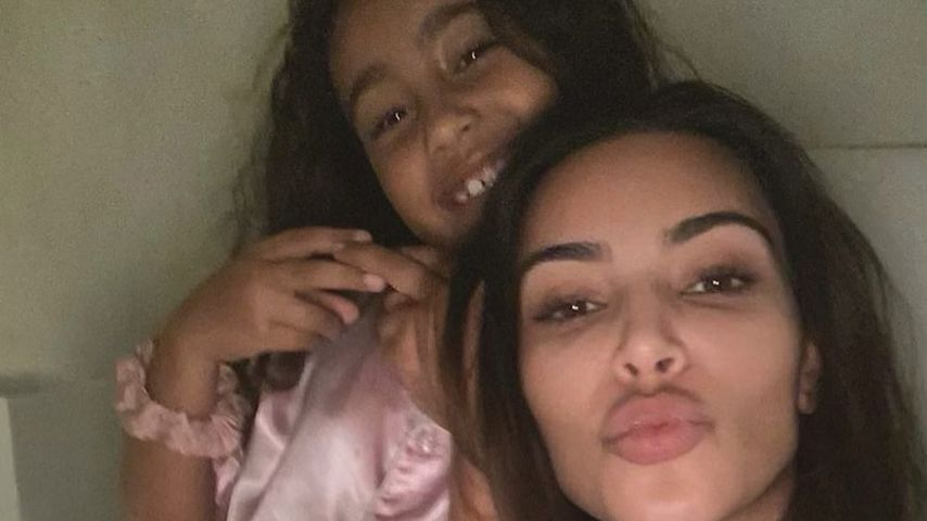 """Kim Kardashian feiert """"Pizza-Party"""" mit ihrer Rasselbande"""