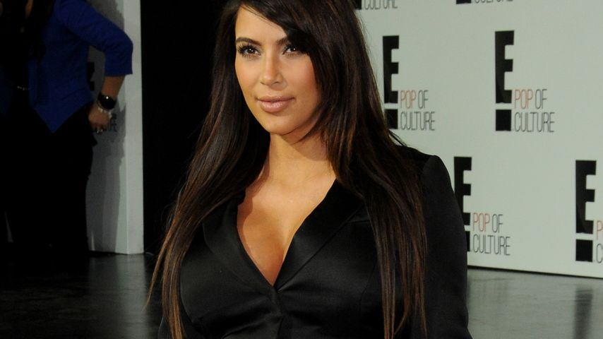 Schon wieder! Kim Kardashian im kurzen Mini-Kleid