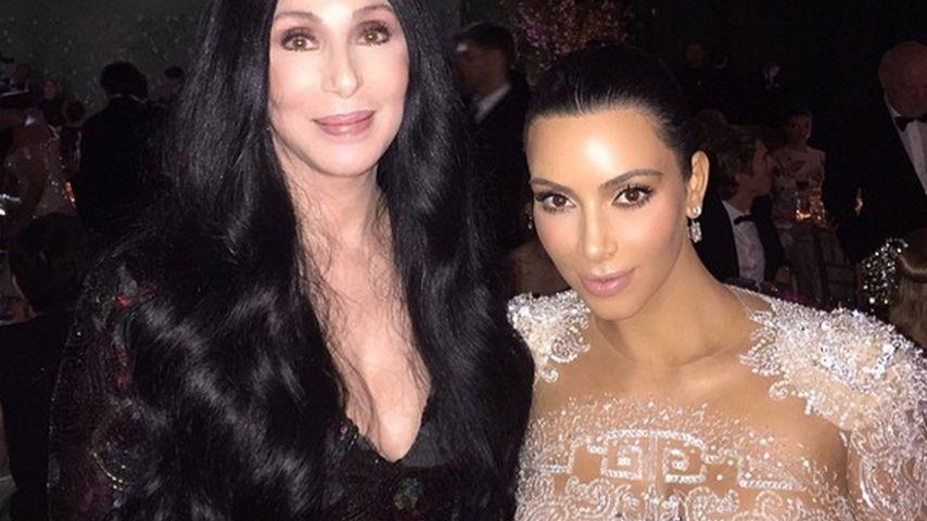 Kim Kardashian: Im Nackt-Kleid für ihre Mode-Ikone Cher