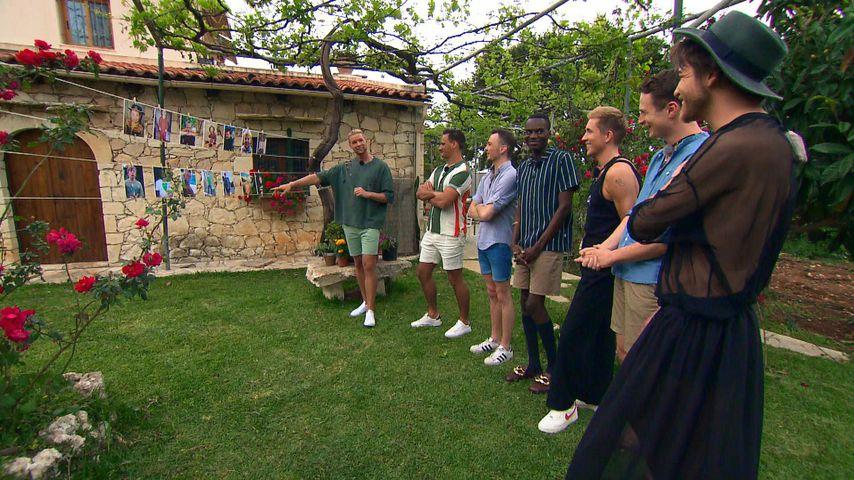 "Kim Tränka mit Flo, Pascal, Jean-Cédric, Robin, Max und Jan beim ""Prince Charming""-Gruppendate"