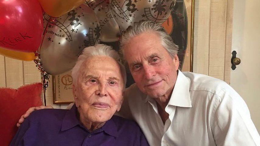 Am Todestag: Michael Douglas scherzt über seinen Vater Kirk