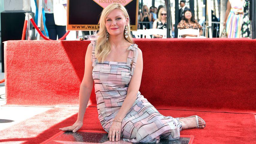 Kirsten Dunst mit ihrem Stern auf dem Hollywood Walk of Fame