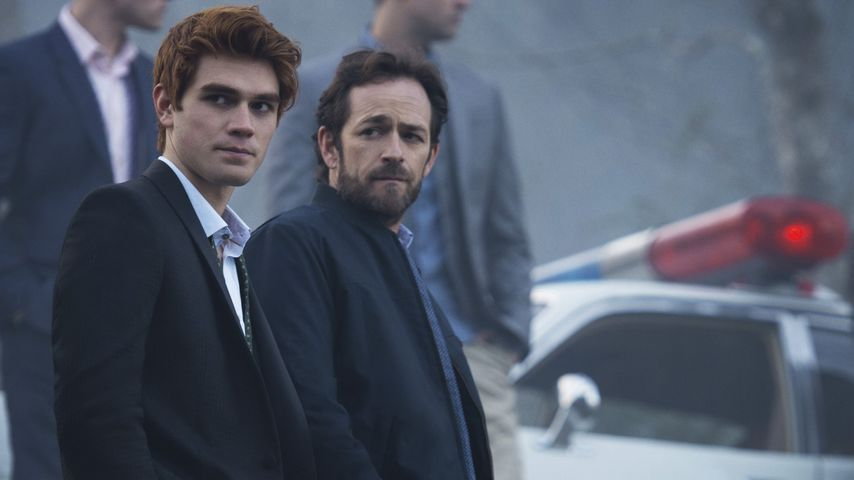 "KJ Apa und Luke Perry in der Serie ""Riverdale"""