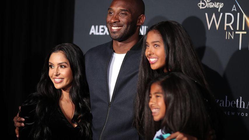 Kobe Bryant mit seiner Frau Vanessa und seinen Töchtern Natalia und Gianna