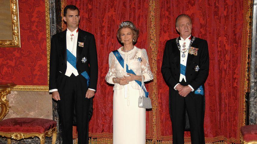 König Felipe VI. mit seiner Mutter Sofía und seinem Vater Juan Carlos