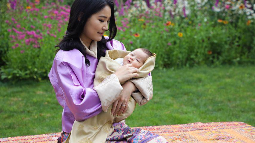 Königin Jetsun Pema mit ihrem neugeborenen Sohn in Thimphu im Mai 2020