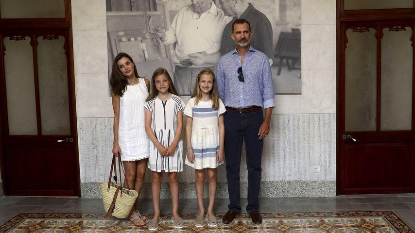 Königin Letizia und König Felipe mit ihren Töchtern Prinzessin Leonor und Prinzessin Sofía