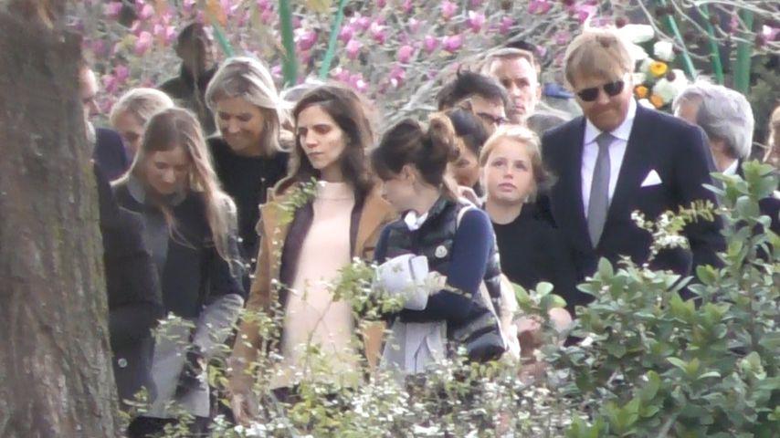 Königin Maxima mit ihrer Familie bei der Beerdigung ihres Vaters