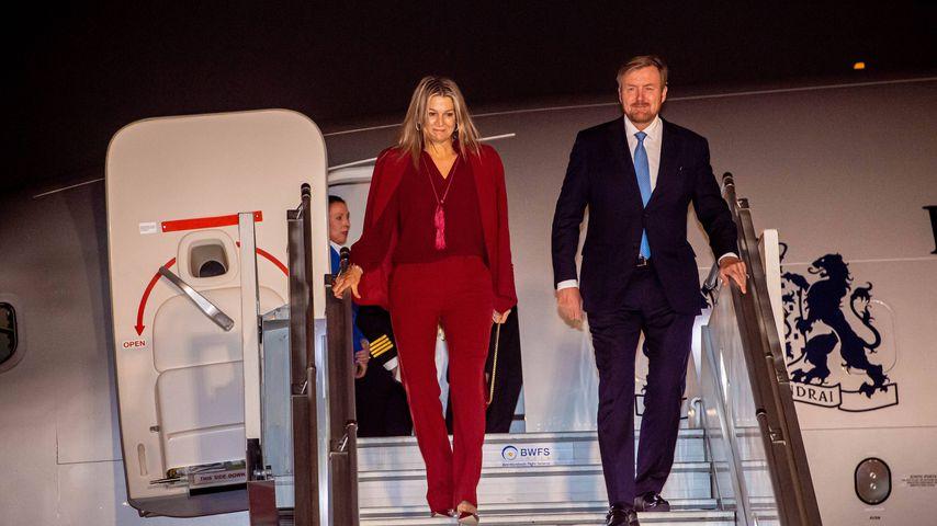 Königin Maxima und König Willem-Alexander bei ihrer Ankunft am Flughafen in Delhi