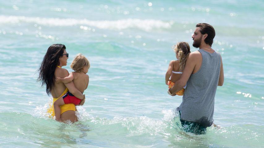 Kourtney Kardashian, Scott Disick und ihre Kinder Reign und Penelope