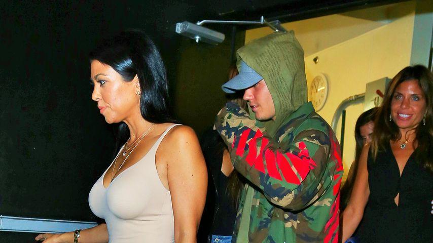Kourtney Kardashian und Justin Bieber beim Verlassen eines Restaurants