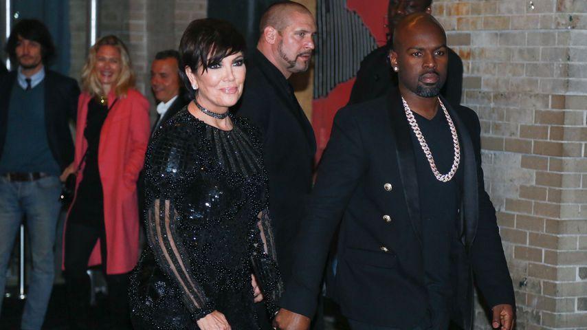 Kris Jenner und Corey Gamble bei einer Aftershowparty