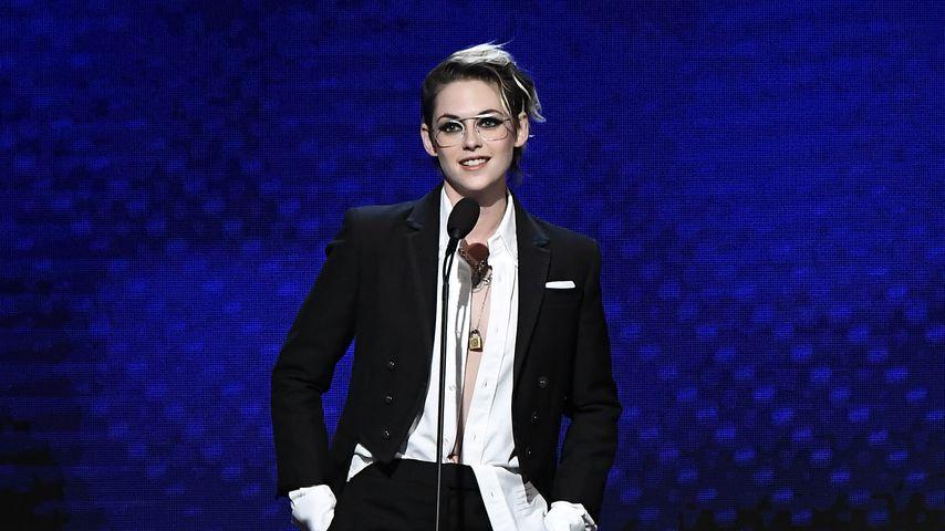 Maskuline Eleganz: Kristen Stewart überrascht bei Film-Gala