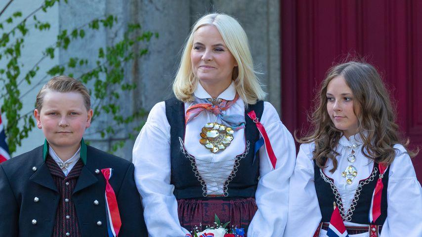 Kronprinzessin Mette-Marit mit ihren beiden Kindern Sverre Magnus und Ingrid Alexandra