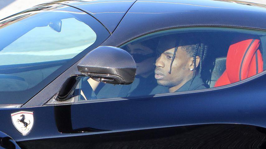 """Kylie Jenner und Travis Scott vor dem Restaurant """"Nobu"""" in Malibu"""