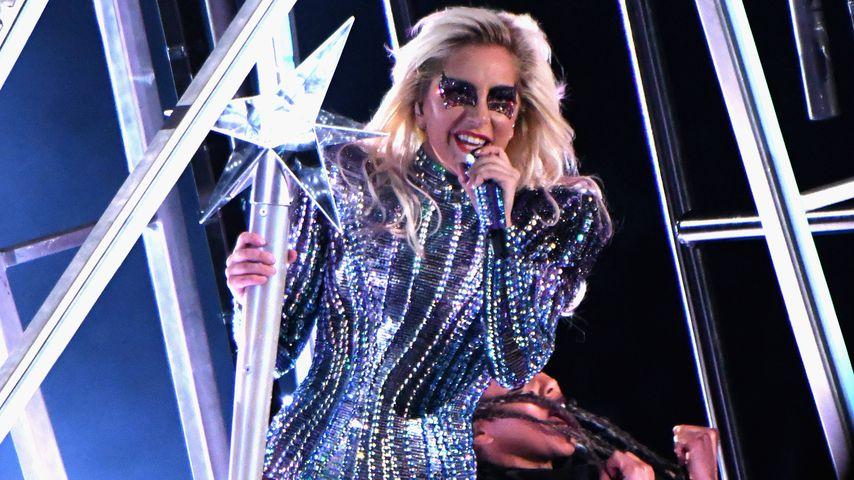 Lady Gaga auf der Bühne bei der Halbzeitshow des Super-Bowls 2017 in Texas