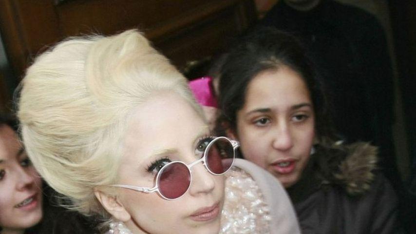 Lady GaGa von Fan begrapscht