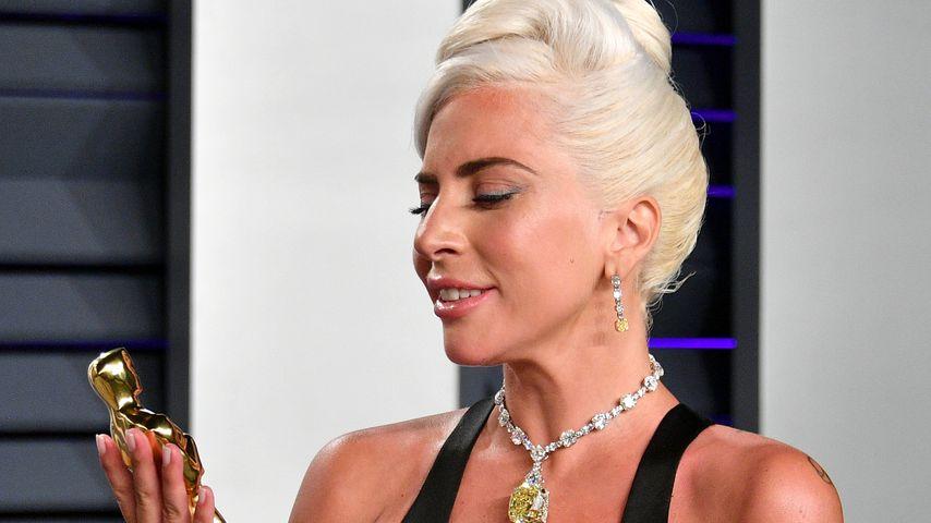 Lady Gaga mit ihrem Oscar 2019