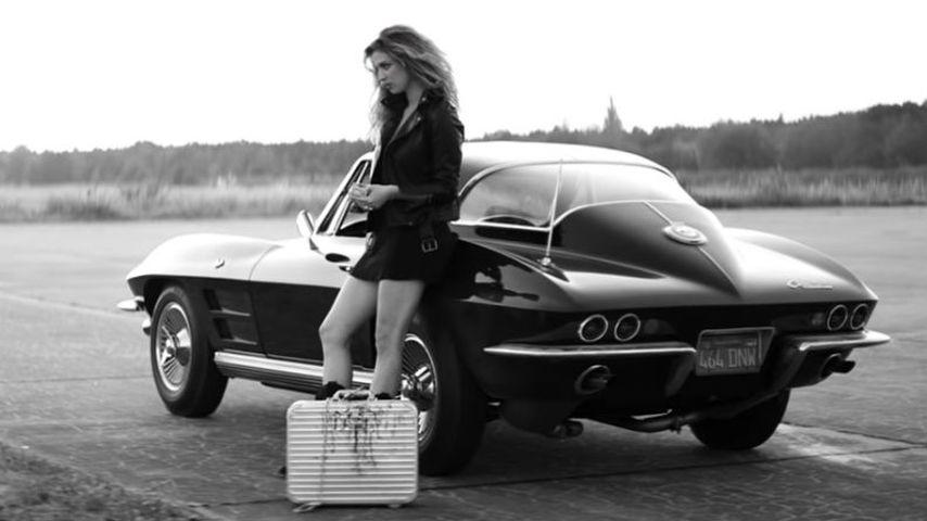 """Larissa Kerner im Musikvideo von """"She"""""""