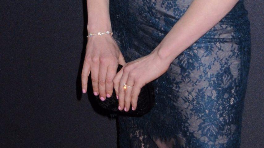 Laura Prepons Verlobungsring