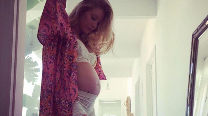 In Spitzen-Lingerie: Leah Jenner setzt Baby-Bauch in Szene