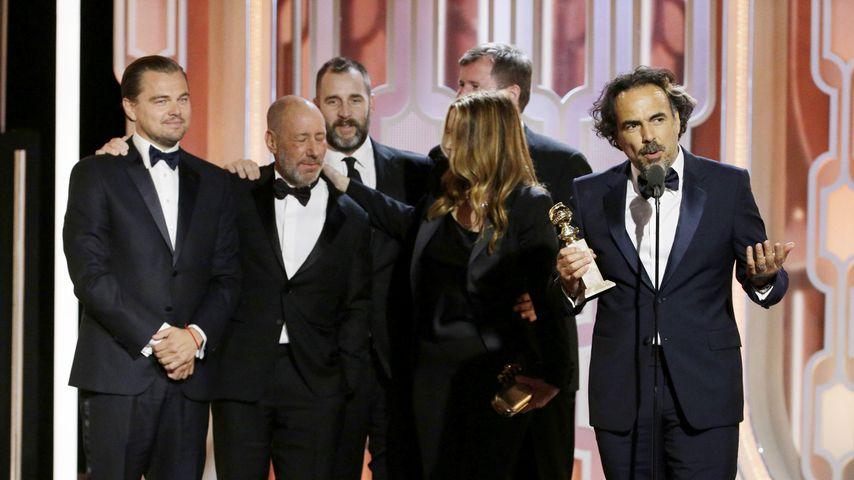Leonardo Di'Caprio, Steve Golin und Alejandro G. Inarritu bei den Golden Globes 2016