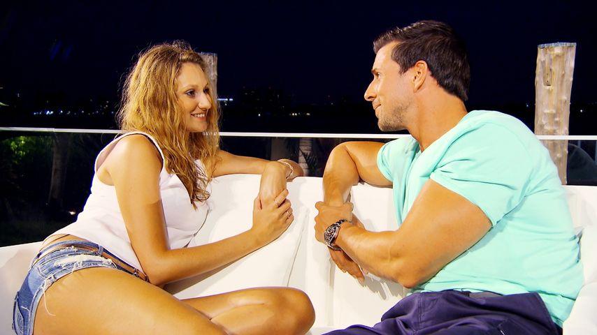 Bachelor-Überraschung: Leo verteilt 1. Rose bei Vierer-Date!