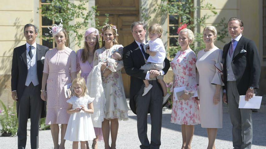 Leonore, Madeleine, Adreinne, Chris und Nicolas von Schweden mit den Taufpaten