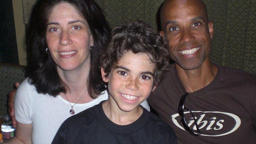 Cameron Boyce mit seinen Eltern Libby und Victor