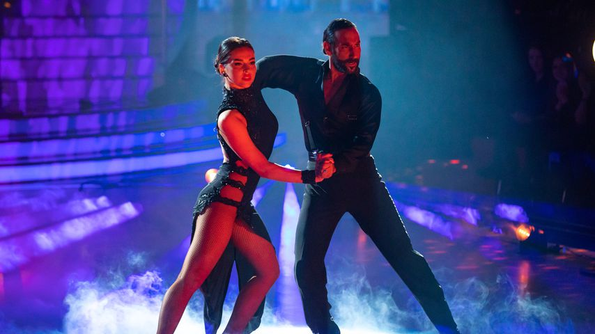 """Lili Paul-Roncalli und Massimo Sinató in der ersten """"Let's Dance""""-Liveshow, Februar 2020"""