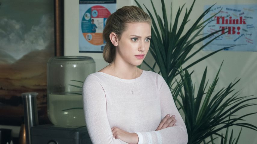 "Akne-Alarm: ""Riverdale""-Lili kämpft mit Selbstzweifeln"