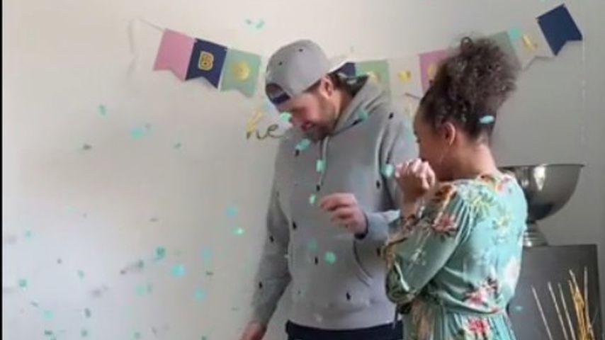 Linda Reschke mit ihrem Partner erfahren das Babygeschlecht