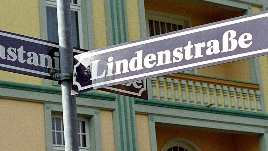 """Glückwunsch: Silberhochzeit-Jubiläum in der """"Lindenstraße"""""""