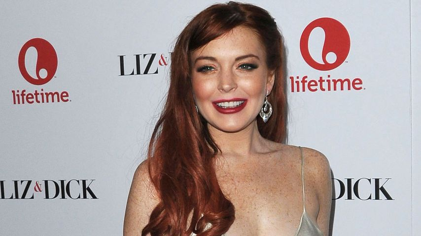 Glamour oder Trash? Lindsay Lohan im Seidenkleid