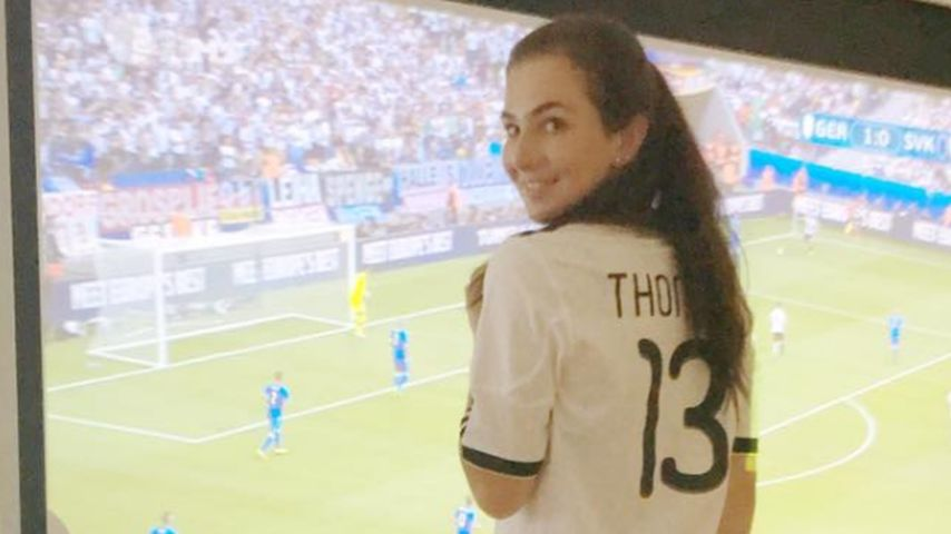 EM-Achtelfinale: So süß feuerte Lisa Müller ihren Thomas an