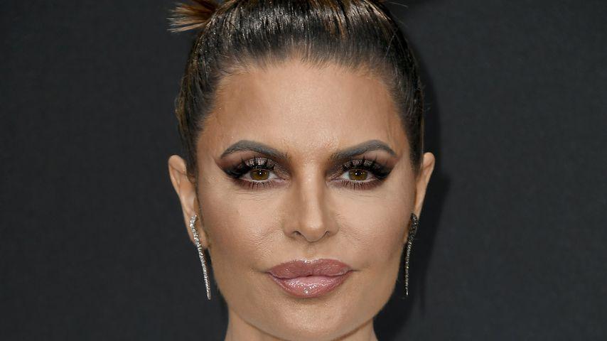 Botox-Fail? Lisa Rinna mit starrem Gesicht auf rotem Teppich